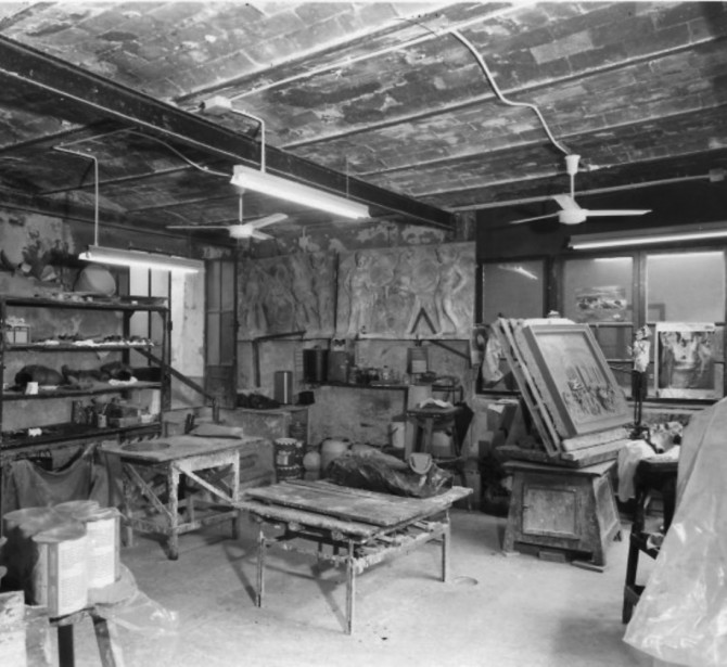 The interior of the Ferdinando Marinelli Artistic Foundry of Florence in 1950s