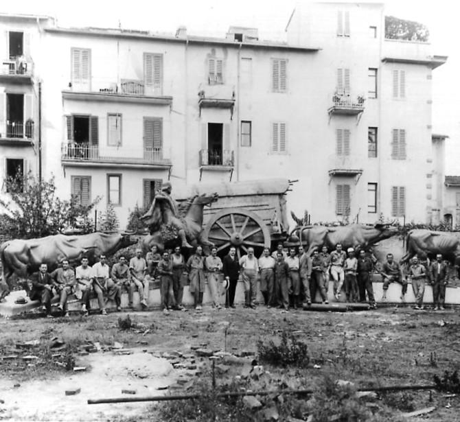 La Carretta dei Pionieri di Montevideo di Josè belloni, fusa dalla Fonderia Artistica Ferdinando Marinelli (FAFM), a Firenze prima della partenza per Montevideo, Uruguay