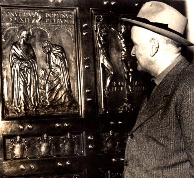 Porta Santa della Basilica di San Pietro in Vaticano realizzata dalla Fonderia Artistica Ferdinando Marinelli di Firenze