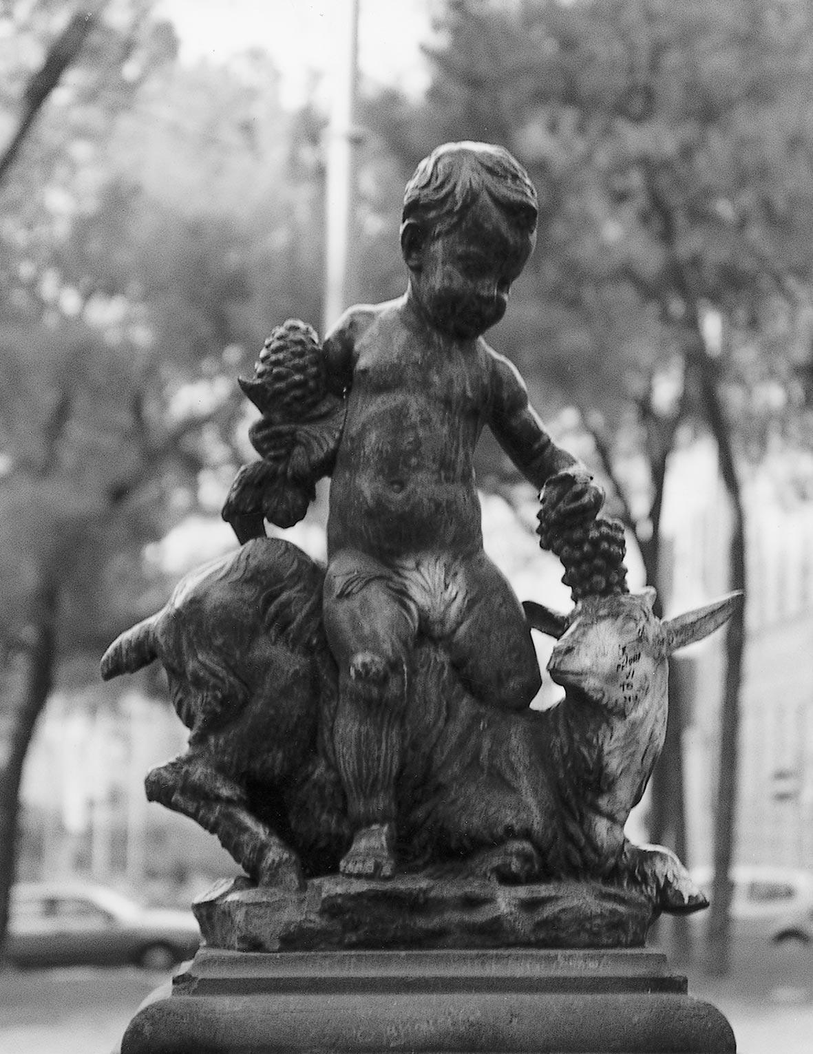 fontana dei capretti di valmore gemignani fusa dalla fonderia artistica ferdinando marinelli di firenze scultura in bronzo